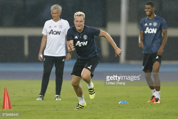 Phil Jones is yet to feature for United this season | Photo: Lintao Zhang/ Getty Images)