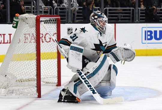 Martin Jones in action against his old team. | Photo: USA Today Sports