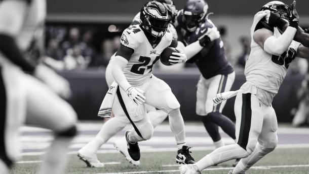 Jordan Howard, ex Bears y Eagles, jugara el los Dolphins el proximo torneo (foto Eagles.com)