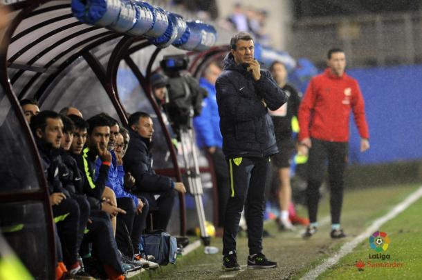José González en su primer partido con el Málaga, en Ipurua. | Foto: LaLiga