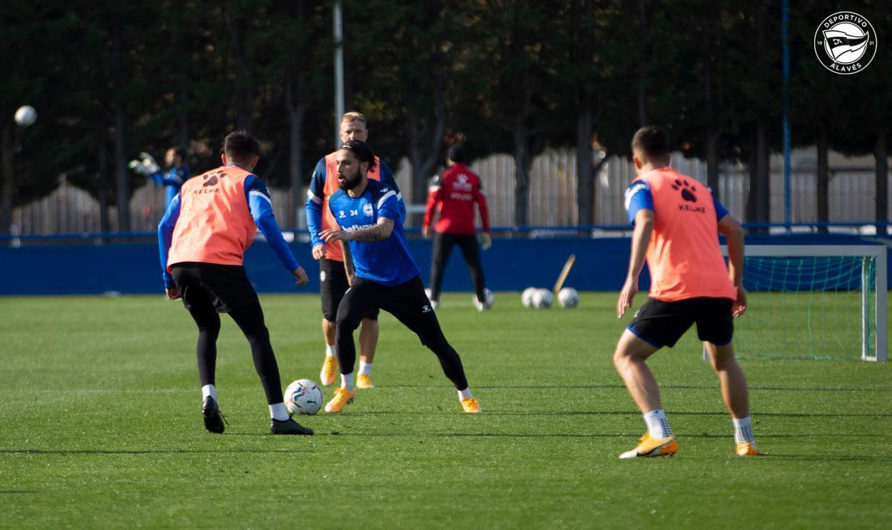 Jota Peleteiro en el entrenamiento semanal   Foto: Deportivo Alavés
