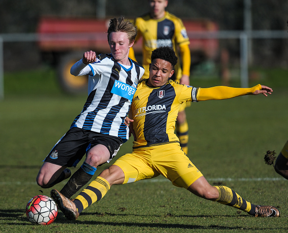 Sean Longstaff (L) of Newcastle is challenged by Joshua Smile (R) of Fulham for the ball during The Barclays Under 21 Premier League match between Newcastle United and Fulham at Whitley Park on February 22, 2015, in Newcastle upon Tyne, England. | Credit: Serena Taylor