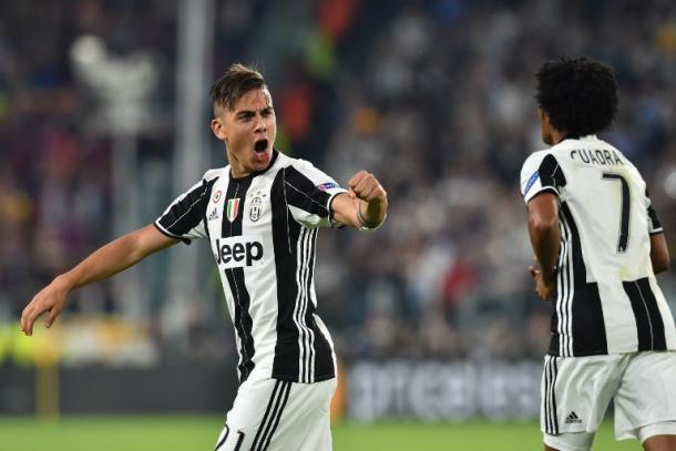 Dybala celebrando su doblete al Barcelona/ FOTOGRAFÍA: Juventus.