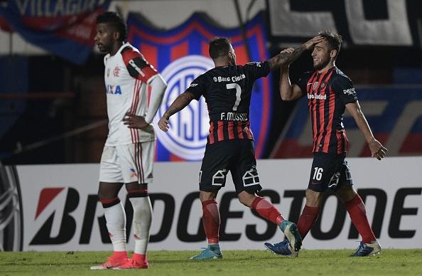 Fim da linha: Flamengo é eliminado da Libertadores (Foto: Juan Mabromata via Getty Images)