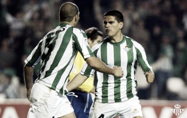 Juanito con su compañero más durdero en el Betis, Rivas. Foto: Real Betis