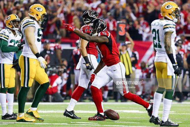 Julio Jones celebrates a first down catch against the Green Bay Packers during the NFC Championship. (Source: Frank Mattia/Icon Sportswire via Getty Images)