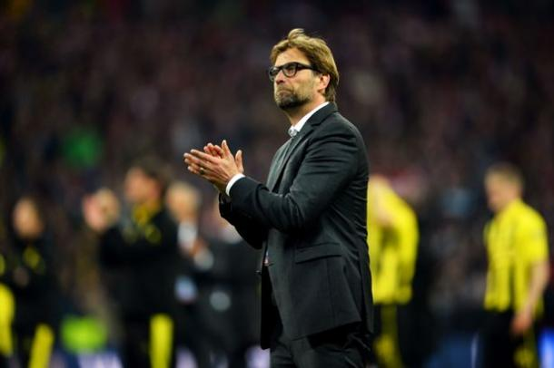 Klopp congratulates Bayern Munich after beating Dortmund in the 2013 Champions League final. (Picture: Daily Mirror)