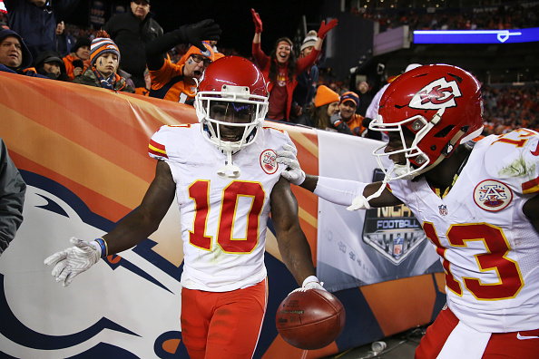 Tyreek Hill retornou kickoff para touchdown no segundo quarto | Foto: Justin Edmonds/Getty Images