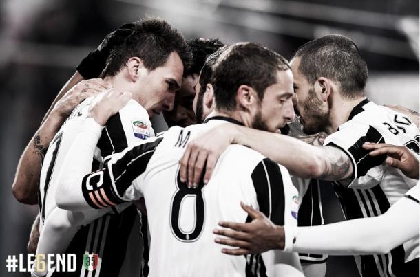 Los jugadores juventinos celebrando un gol   Foto: Juventus