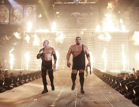 Kane entering WreslteMania XXII with The Big Show (image: wrestlingmedia.org)