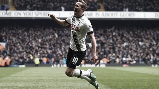 Harry dando el gol de la victoria./ Foto: Premier League