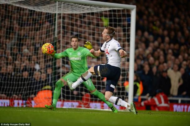Kane missed Spurs' best chance (photo: Andy Hooper)