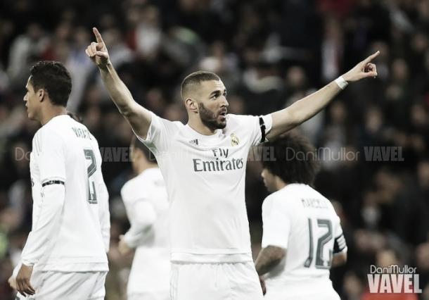 Benzema celebrando un gol. Foto Dani Mullor, VAVEL