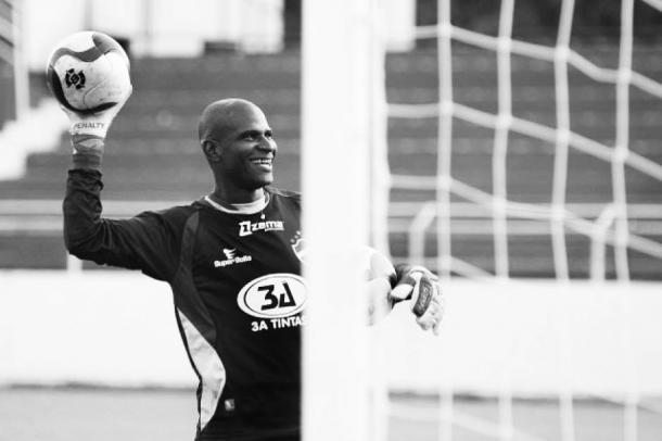 Max durante treino no Vila Nova, em 2008 (Divulgação/Vila Nova FC)