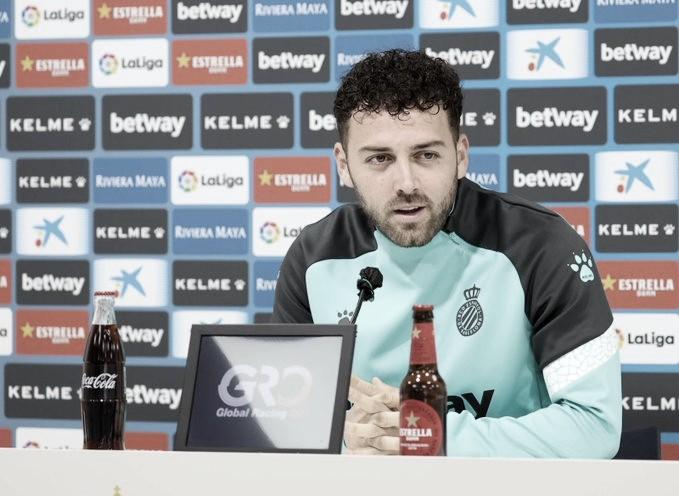 Keidi Bare atendiendo a los medios. / Foto: RCD Espanyol.