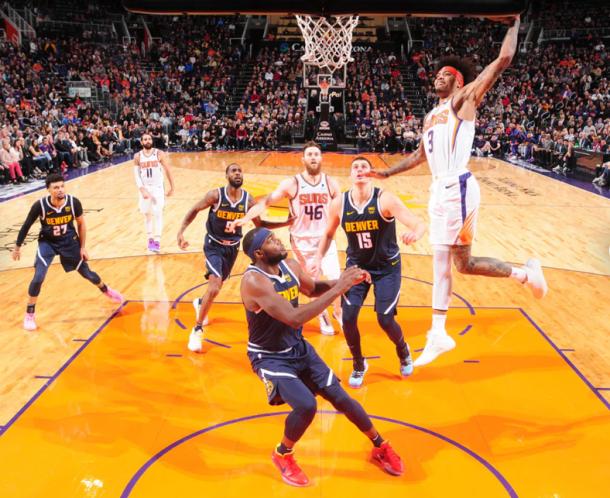 Mate de Kelly Oubre en un partido de esta temporada   Foto: Phoenix Suns