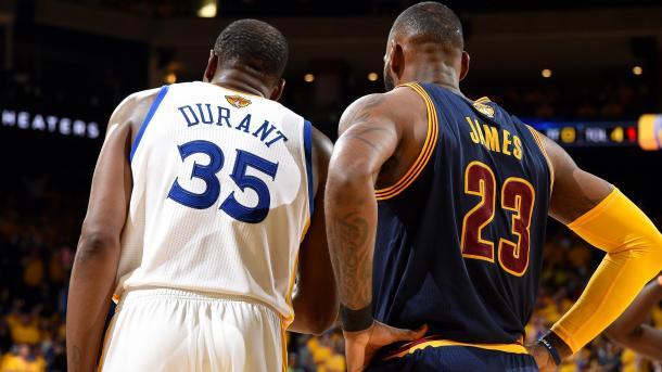 LeBron y Durant buscarán maravillar al mundo. | Fotografía: NBAE / Getty Images