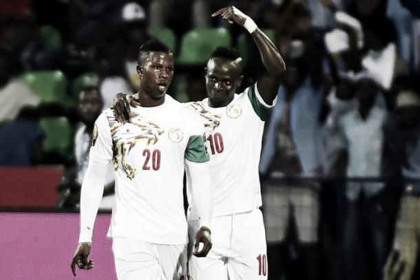 Keita y Mané celebran un gol con Senegal. / Foto: Twitter @Optajean
