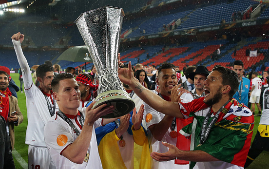 Gameiro was an influential figure for Sevilla as he helped his side to three Europa League titles. | Photo: Getty