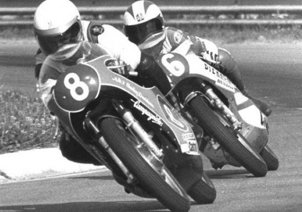 Los hermanos Villa durante una carrera. | Fuente: MotoGP
