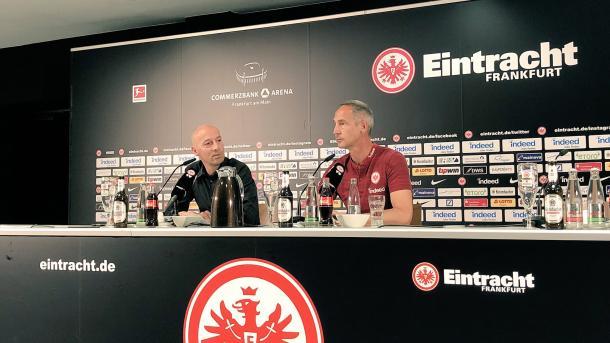 Hütter espera salir bien librado de Signal Iduna Park | Foto: @Eintracht