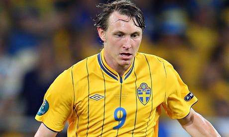Kim Kallstrom, faro della mediana svedese, ex Arsenal e Lione - Source: www.theguardian.com