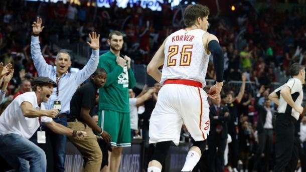 Kyle Korver, mattatore di serata con 5/7 da tre punti | NBA.com