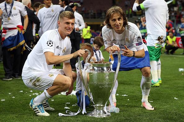 Kroos e Modric dão a magia ao meio de campo merengue (Foto: Getty Images)