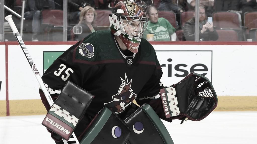 Kuemper se hace con la portería que deja atrás Grubauer | Foto. NHL.com