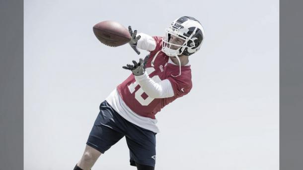 Cooper Kupp, entrenando totalmente recuperado de su lesión (foto Rams.com)