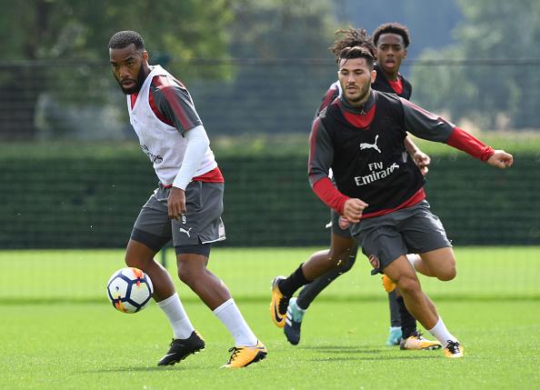Lacazette (dir.) e Kolasinac (esq.) chegam para aumentar qualidade de escolha do Arsenal (Foto: Stuart MacFarlane / Arsenal FC via Getty Images)