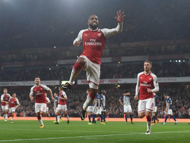 Lacazette celebra el tanto ante el West Bromwich Albion   Fotografía: Arsenal
