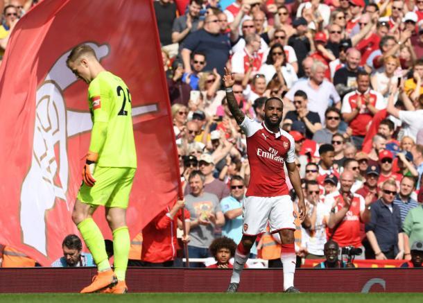Lacazette celebra uno de sus goles ante el West Ham | Fotografía: Arsenal