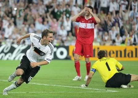 Os turcos chegaram às meias-finais em 2008 (Foto: Desportugal)