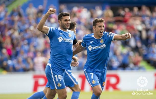 Jorge Molina y Jaime Mata celebrando uno de los goles de la victoria del Getafe | Fuente: laliga