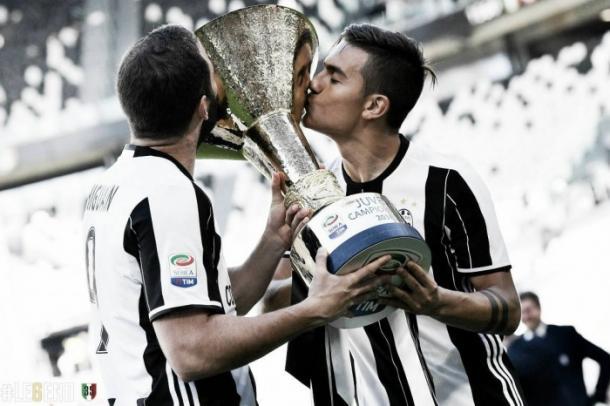 Higuaín y Dybala celebran el título de Serie A | Foto: Juventus