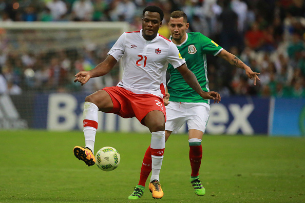 Cyle Larin in action with Canada against Mexico. | Photo: Getty Images