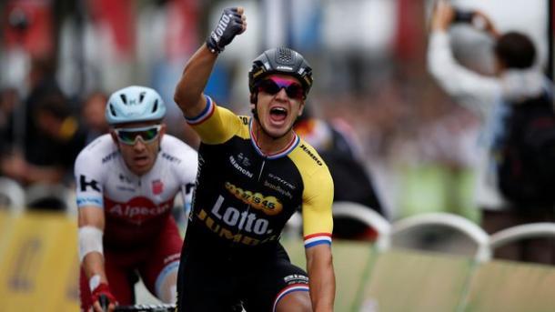 Dylan Groenewegen venció en la meta de París. | Foto: L'Express