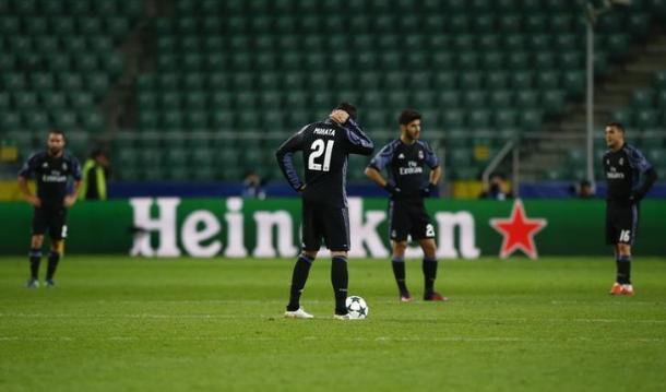 La frustrazione di Morata e compagni, dopo il 3-2 del Legia a Varsavia - Foto Reuters