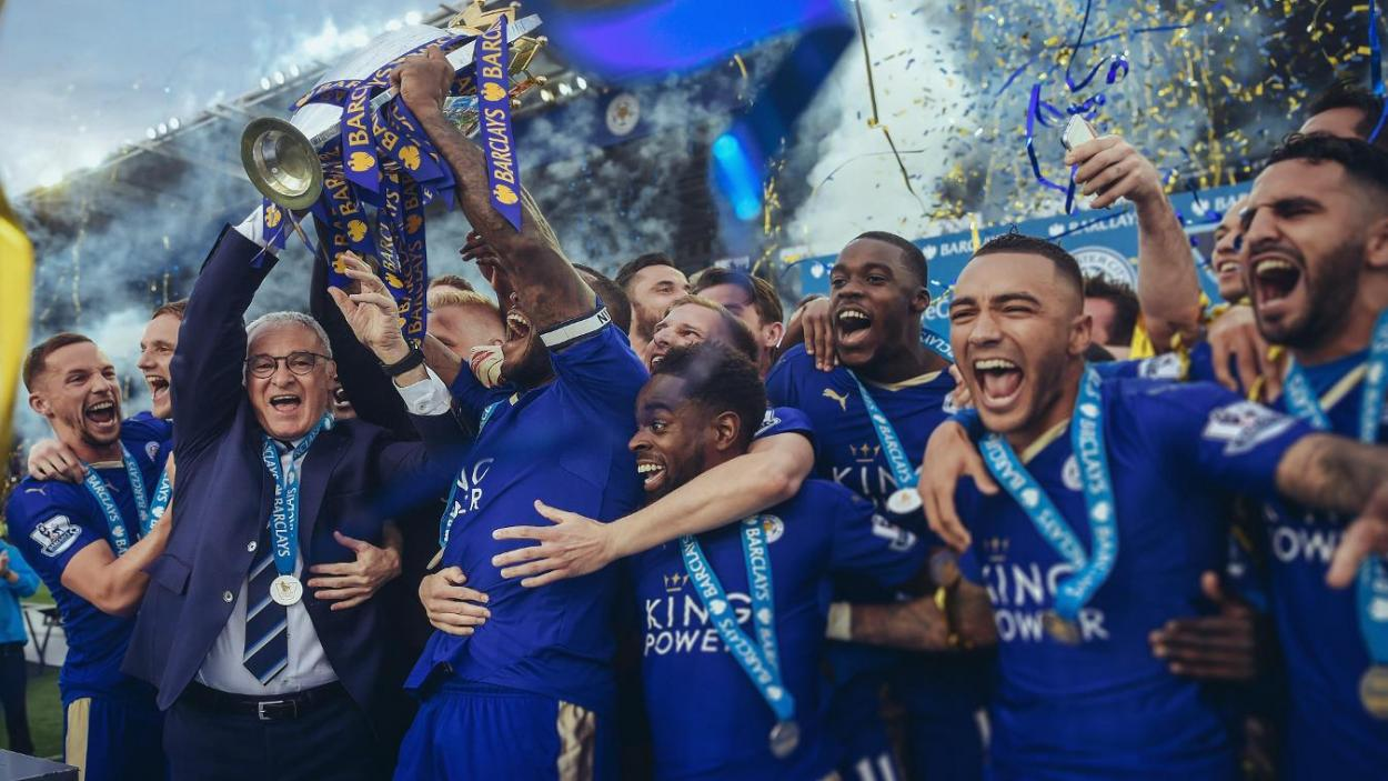 El Leicester levantando la Premier League/ Fuente: Premier League