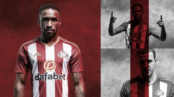 It would be a surprise to see Lens (top right) donning Sunderland's new home kit in the 2016/17 season. (Photo: Sunderland AFC)