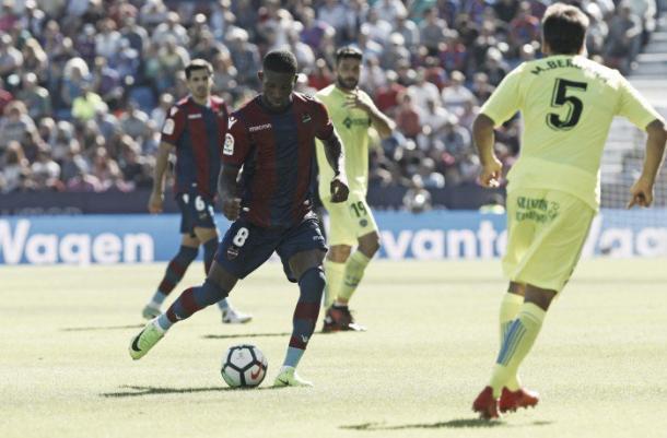 Jefferson Lerma ante el Girona. Fuente: Levanteud