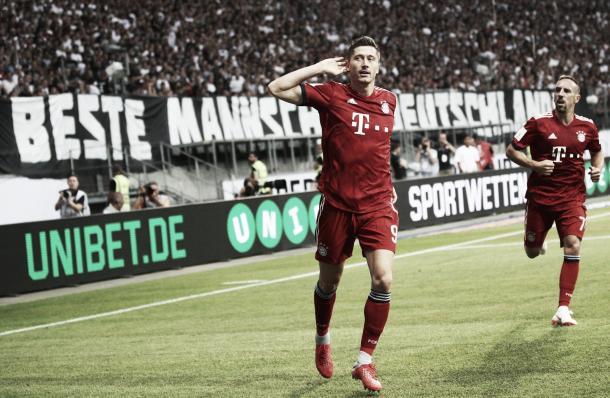 Con dos cabezazos, Lewandowski encaminaba la victoria del Bayern | Foto: @FCBayern