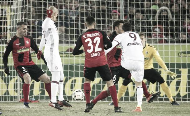 Il gol di Lewandowski. | Fonte immagine: Twitter @UEFAChampionsLeague