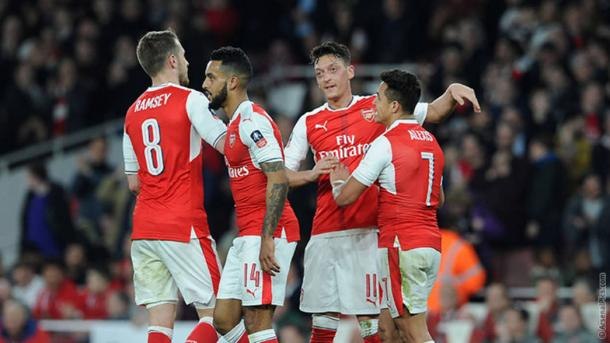 Los jugadores del Arsenal celebran uno de los goles ante el Lincoln   Fotografía: Arsenal