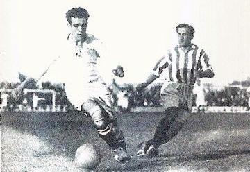 Hertzka (L) during his playing career | Photo: football-craze.com