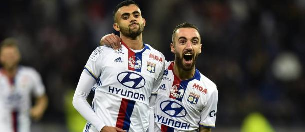 Ghezzal esulta insieme ai compagni dopo un gol al Saint-Etienne. | lepoint.fr.