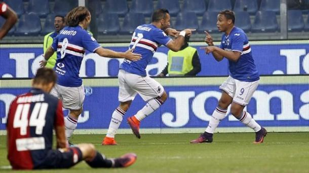 Quagliarella, Muriel e Barreto festeggiano la rete del vantaggio nel derby di Genova di sabato scorso. | Eurosport.