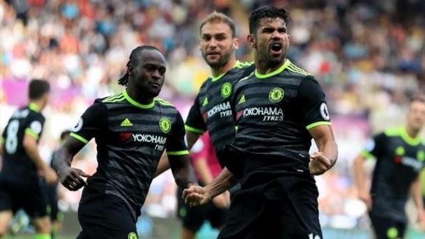 Diego Costa esulta per il gol che firma il 2-2 contro lo Swansea. | Google.