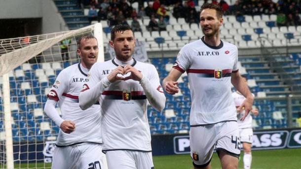 Blerim Dzemaili colpisce ed esulta: era lo scorso anno e il Genoa espugnò il Mapei per 0-1. | Google.